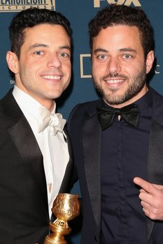 You might still be recovering from how incredibly well Rami Malek portrayed Freddie Mercury in the Queen biopic Bohemian Rhapsody, but get ready for another Rami Malek Twin, Sami Malek, Twin Guys, Celebrity Twins, Mr Robot, Identical Twins, Celebs, Celebrities, Freddie Mercury