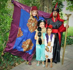 Lots of Family Halloween/Cosplay ideas! Jafar Costume, Geek Costume, Aladdin Costume, Disney Familienkostüme, Disney Dress Up, Badass Halloween Costumes, Cute Costumes, Aladdin Halloween, Halloween 2019