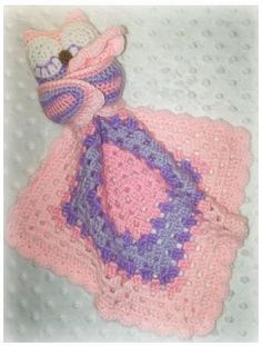 Ravelry: Sleepy Owl Lovey Crochet Pattern pattern by Shalene McKay- you could always change the color. I think this is adorable. Crochet Security Blanket, Crochet Lovey, Lovey Blanket, Baby Blanket Crochet, Yarn Projects, Knitting Projects, Crochet Projects, Crochet Crafts, Crochet Toys
