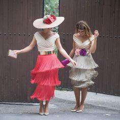 "LOUVER on Instagram: ""Amor por los flecos ❤️ nos encanta la falda Helen junto al top Talia ¿y a ti? 🍀 #LouverMarbella #LouverGranada"" Runway Fashion, High Fashion, Womens Fashion, Dress Skirt, Lace Skirt, Gatsby Girl, Fringe Skirt, Mother Of The Bride, What To Wear"