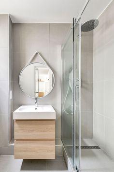 La salle de bains s'équipe d'une douche