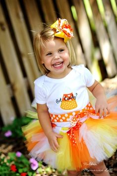 Maybe next year I can make a candy corn tutu & bow for Miss Kaitlyn Halloween Outfits, Baby Halloween, Holiday Outfits, Halloween Costumes, Halloween Candy, Halloween Ideas, Halloween Clothes, Kids Tutu, Baby Tutu