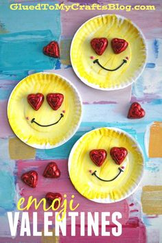 Use paper plates to make Emoji Valentines w/a chocolate heart surprise on each one! #classroomvalentines #valentines #valentinesday #kidcrafts #emoji #handmade