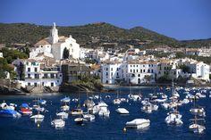 La playa de Portdoguer, en el inspirador pueblo de Cadaqués - Las 50 mejores playas de España que merecen una escapada