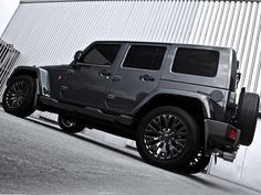 2012-Kahn-Design-Jeep-Wrangler-Military-Edition-Restoration-Project-Rear-Angle