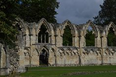 Castle ruins in York, England. Stunning! http://courtneycon.wordpress.com/