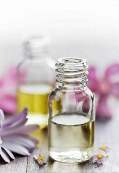 APRENDE A HACER ACEITE ESENCIAL DE LAVANDA. La lavanda es una planta con un aroma fuerte y muy agradable por lo que podemos usarlo para aromatizar...