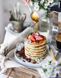 Vegan Strawberry poppyseed pancakes #foodphotography #foodstyling