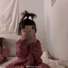 Cute Baby Wallpaper, Lisa Blackpink Wallpaper, Wallpaper Quotes, Cute Asian Babies, Cute Babies, Ulzzang Kids, Funny Babies, Jin, Taehyung