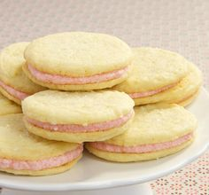 What delightful looking cookie that have that great combination of strawberry and lemon, these strawberry lemon sandwich cookies look amazing.. so yummy This cookie recipe is brought to you by goboldwithbutter.com website , thanks for …