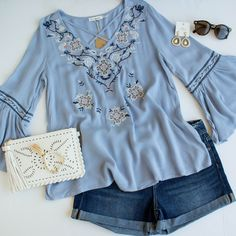 SF: love the cross-front v-neck, bell sleeves, and embroidery; don't have anything in light blue (Maya Blue Floral Embroidered Top) Fashion Today, Fashion 2017, Fashion Outfits, Womens Fashion, Fashion Trends, Spring Summer Fashion, Winter Fashion, Summer Wear, Summer Time