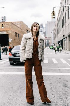 vogue.esstreet_style_new_york_fashion_week_febrero_2017_dia_3_781945847_800x