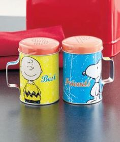 #614584035 Peanuts Charlie Brown and Snoopy Collectible Salt and Pepper Shaker Set by sensationaltreasures