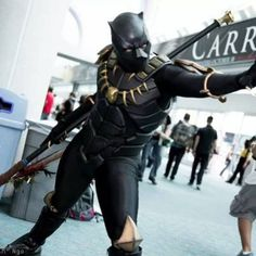 Awesome Black Panther cosplay!