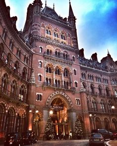 St Pancras #hotel at #Christmas. @london #thisislondon #architecture #photooftheday #monday #building #history #sky #london #stpancras #impressive by vanbird