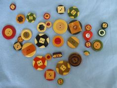 https://flic.kr/p/6R9Foy   Marty's vintage button collection - colorful Bakelite   buttonitupbook.wordpress.com/2009/08/19/martys-vintage-bu...