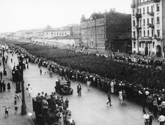 Moscow, July 17, 1944: 57,000 German POWs (including 19 generals) are marched through the city to demonstrate the might of the Red Army. This was the POW harvest after the mopping up of Belarus.
