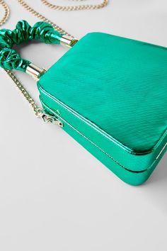 KASTENFÖRMIGE CLUTCH BLUE COLLECTION - DRESS TIME-DAMEN-CORNERSHOPS | ZARA Deutschland Leather Box, Green Leather, Zara, Turquoise Fashion, Box Bag, Clutch, Kate Spade, Blue, Collection
