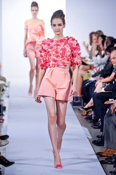 Oscar de la Renta Spring 2013 Ready-to-Wear Runway  I actually like an outfit from a designer's runway collection; never happens.
