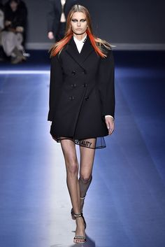 Versace Fall 2017 Ready-to-Wear Collection - Fashion Unfiltered