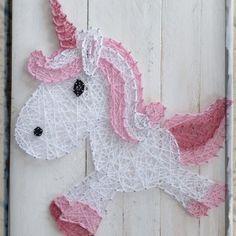 unicorn string art all strung up Cute Crafts, Yarn Crafts, Diy Arts And Crafts, Nail String Art, String Crafts, Arte Linear, String Art Patterns, Prego, Thread Art