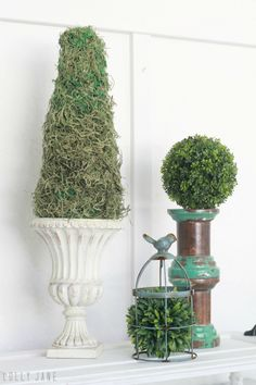 Easy diy moss topiary using fake moss and a styrofoam cone. – Home Decors Home Decor Accessories, Decorative Accessories, Outdoor Topiary, Topiary Trees, Halloween 2018, Diy Halloween, Dollar Store Halloween, Cheap Home Decor, Plant Hanger
