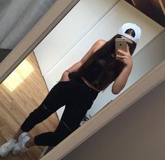 Find images and videos about girl, fashion and style on We Heart It - the app to get lost in what you love. Mode Outfits, Urban Outfits, Sport Outfits, Trendy Outfits, Urban Apparel, Urban Fashion, Teen Fashion, Fashion Outfits, Womens Fashion
