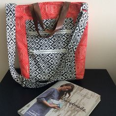 @wtodd141 - I honestly love @noodlehead531 book Handmade Style and want to make every one of the projects . This one is perfect for a weekend in the city  #ginghamtote #rainwalkfabric #handmadestyle #handmadestylebook #hawthornethreads #aurifil