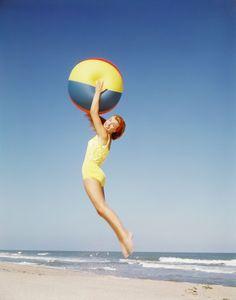Photos: The Best of 1960s Beach Chic: Bikinis, Blond Hair, and Surf Style | Vanity Fair