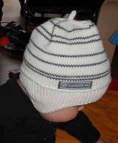 Ravelry: Smurfeplutt-lue pattern by Grethe I Berg. 9 months to 3 years Diy Crafts Knitting, Knitting For Kids, Baby Knitting Patterns, Free Knitting, Knitting Projects, Crochet Baby, Knit Crochet, Baby Barn, Free Baby Stuff