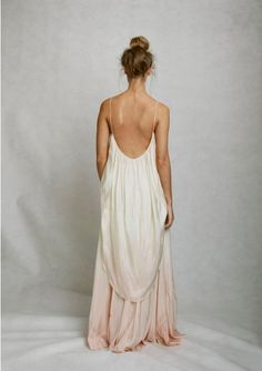 backless white and light pink ombre dress, would be fab for a wedding dress too… Look Boho, Look Chic, Bohemian Style, Look Fashion, Fashion Beauty, Dress Fashion, Dip Dye Dresses, Mode Lookbook, Looks Style