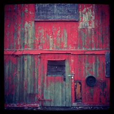 Love this old barn.....