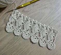 Linen table cloth with lace hand crocheted border, fillet crochet lace trim, heirloom home décor, wide lace fine crochet edging and linen fabric. Crochet Border Patterns, Crochet Lace Edging, Crochet Leaves, Crochet Diagram, Doily Patterns, Irish Crochet, Crochet Designs, Crochet Doilies, Crochet Flowers