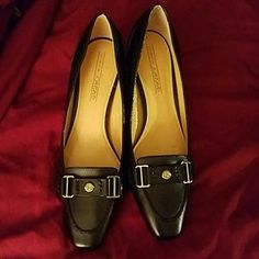 Joan & David Shoes - SALE-NWOT-- Joan &David black low heels