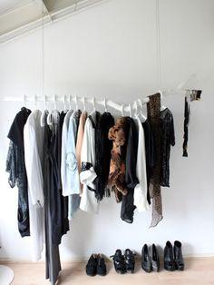 Schicke Kleiderständer als moderne Kleiderablage