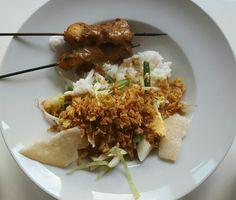 Indonasian gado gado with chicken