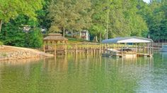 Drop your boat in Lake Norman in your backyard!