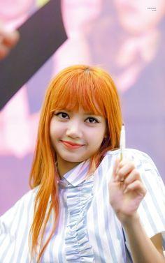 Lisa fansign event in Bundang Jennie Lisa, Blackpink Lisa, Kpop Girl Groups, Korean Girl Groups, Divas, Yg Entertainment, Hottest Photos, South Korean Girls, What I Wore