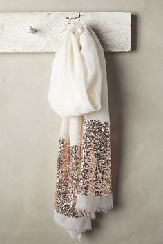 New dress silk summer products Ideas Duppata Style, Embroidery Scarf, Head Scarf Styles, Diy Scarf, Scarf Design, Scarf Hairstyles, Trendy Dresses, Silk Scarves, Womens Scarves