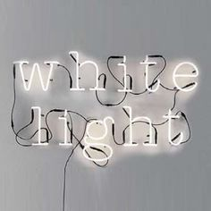 White light, applique murale néon, Seletti