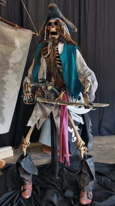 Life Size Pirate Skeleton Haunt Retail Prop by MasterWerx on Etsy Pirate Halloween Decorations, Pirate Halloween Party, Voodoo Halloween, Pirate Decor, Halloween Displays, Pirate Theme, Halloween Skeletons, Halloween Projects, Halloween 2020