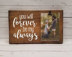 Stylish Christmas Diy Picture Frame Ideas 40 – Home Design Cricut Picture Frames, Picture Frame Crafts, Wedding Picture Frames, Wood Picture Frames, Wedding Pictures, Wedding Ideas, Wooden Picture, Photo On Wood, Photo Frames With Quotes