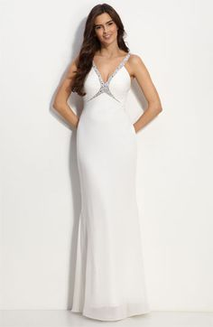 Out of the few wedding gowns I've looked at, nothing compares to this one. Just what I want.