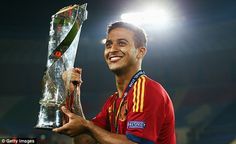 Thiago is seen as one of the rising stars of Spanish football and underlined his growing reputation by scoring a hat-trick in his country's triumph over Italy in the European Under-21 Championship Final earlier this week.  Read more: http://www.dailymail.co.uk/sport/football/article-2345487/Manchester-United-close-signing-Thiago-Alcantara-17m-Barcelona.html#ixzz2WqFbE9Mc  Follow us: @MailOnline on Twitter | DailyMail on Facebook