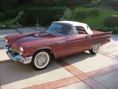 Ford Thunderbird (1955, USA)