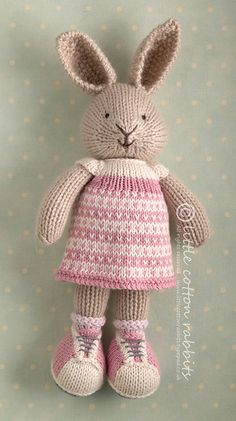 'Jemima', littlecottonrabbits. Love her dress, and look at those weenie shoes!