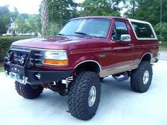 This is an excellent variety of a Ford Bronco Lifted, Bronco Truck, New Bronco, Ford 4x4, Classic Bronco, Classic Ford Broncos, Classic Ford Trucks, Classic Cars, Ford Bronco Concept