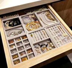 TheseNEW DIY Jewelry Drawer Organization Velvet Storage Trays will keep your jewelry collection organized in style and with simplicity. Not only will your beautiful jewelry collection look chic but…