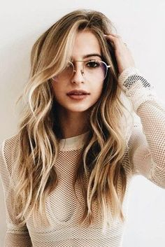 Stylish long layered hairstyles for ladies Hairstyle Fix Long Hair Cuts Fix Hairstyle Hairstyles ladies Layered Long Stylish Long Layered Haircuts, Layered Hairstyles, Long Layered Hair Wavy, Long Hairstyles With Layers, Blonde Long Layers, Layered Bobs, Long Haircuts For Women, Modern Haircuts, Thick Hair