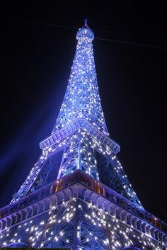 Chistmas at the Eiffel Tower | Paris